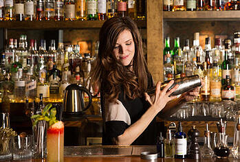 bartender-with-shaker