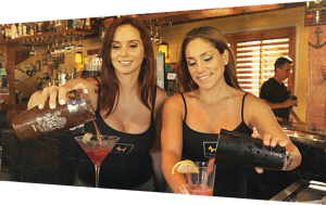 bartenders pouring drinks correctly